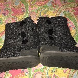Shoes - Knit UGGs!